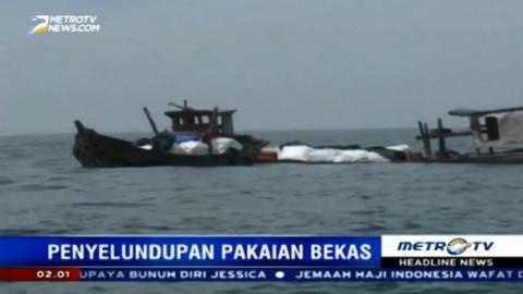 Dua Kapal Penyelundup Pakaian Bekas Tenggelam Saat Hendak Ditangkap