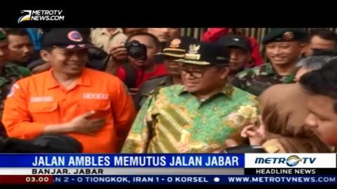Tinjau Jalan Amblas di Banjar, Aher Janjikan Perbaikan