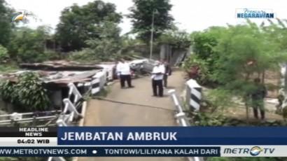 Jembatan di Bogor Ambruk akibat Tergerus Air Sungai
