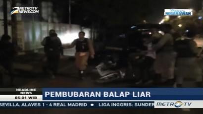 Petugas Gabungan Bubarkan Balap Liar di Jalan Demak Surabaya