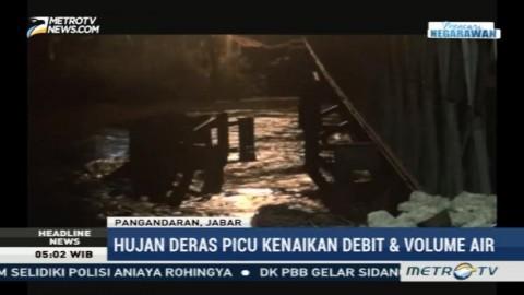 Tiang Jembatan Darurat di Pangandaran Hanyut Terseret Banjir