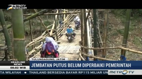 Warga Bangun Jembatan Darurat Tulungagung-Kediri
