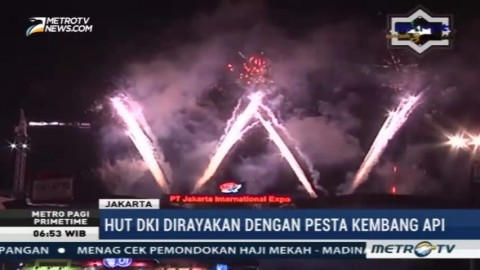 Pesta Kembang Api Meriahkan HUT ke-490 DKI Jakarta