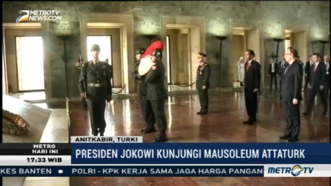Jokowi Kunjungi Mausoleum Attaturk