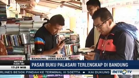 Berburu Buku Murah di Pasar Palasari