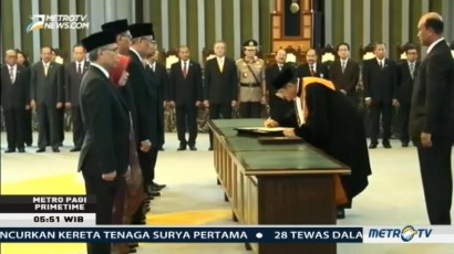 Dewan Komisioner OJK Terpilih Resmi Dilantik MA