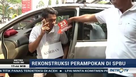 Polisi Gelar Rekonstruksi Perampokan di SPBU Daan Mogot
