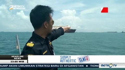 Satu Kapal Basarnas Diturunkan Cari Korban Tabrakan Kapal Perang AS