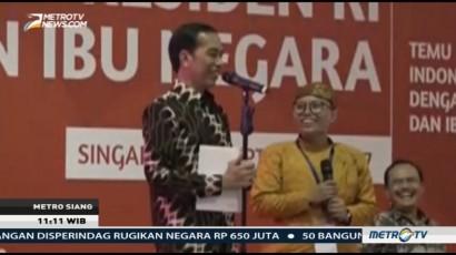 Jokowi Bagi-bagi Sepeda untuk WNI di Singapura
