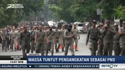 Satpol PP dan Dishub DKI Gelar Demo Desak Diangkat Jadi PNS