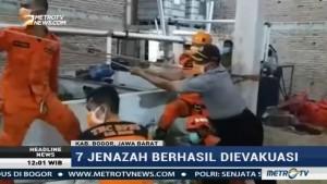 Petugas Evakuasi Tujuh Jenazah Korban Gas Beracun di Bogor