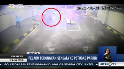 Seorang Pria Ancam Petugar Parkir Gandaria City dengan Senjata Api