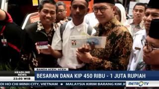 Menag Bagikan 63 Ribu KIP di Aceh