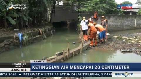 Tanggul Jebol, Puluhan Rumah di Jati Padang Terendam