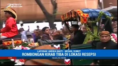 Jokowi Bagikan Kaos untuk Warga di Sela Kirab Budaya