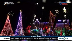 Homes Go All Out With Christmas Light Display