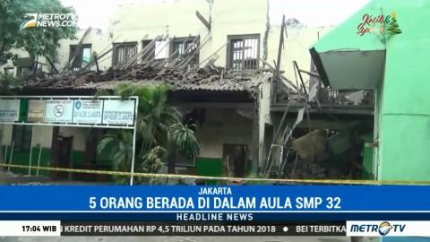 Aula SMPN 32 Jakarta Roboh karena Sudah Lapuk