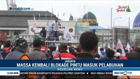 Buruh Kontainer JICT Protes PHK Massal