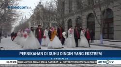 34 Pasangan Nikah Massal di Atas Es