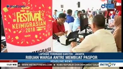 Ribuan Warga Antre Layanan Paspor Simpatik di Monas