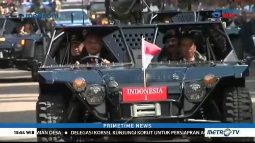 Jokowi Naiki Kendaraan Tempur TNI