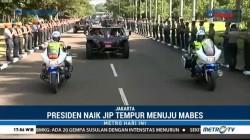 Presiden Naik Jip Tempur ke Mabes TNI