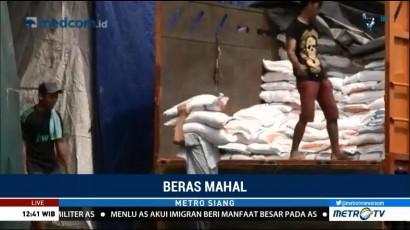 Harga Beras Naik, Pedagang di Pasar Induk Merugi