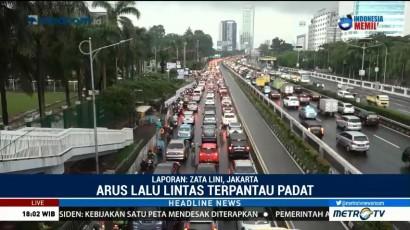 Arus Lalin di Jalan Gatot Subroto Macet
