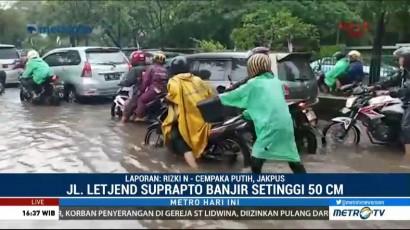 Banjir, Jalur Lambat Jalan Letjen Soeprapto Tak Bisa Dilintasi