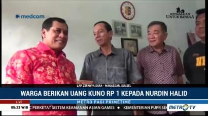 Warga Makassar Beri Uang Kuno Rp1 ke Nurdin Halid