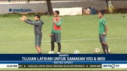 Luis Milla Pimpin Latihan Gabungan Timnas U-19 dan U-23