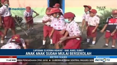 Abu Vulkanik Sinabung Menipis, Siswa Mulai Bersekolah