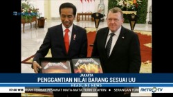 Jokowi Tebus Album Metallica dari KPK
