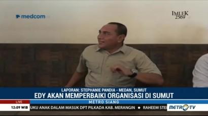 Edy Rahmayadi Berbincang dengan Warga dan Awak Media di Warung Kopi