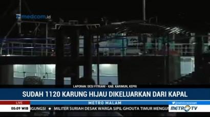 Ribuan Karung Diduga Sabu Dikeluarkan dari Kapal