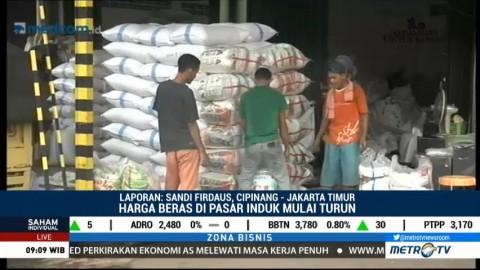 Harga Beras di Pasar Cipinang Berangsur Turun