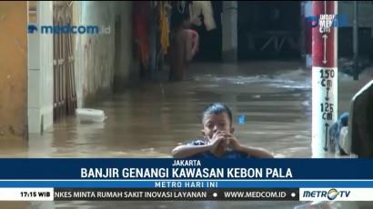Ketinggian Banjir di Kawasan Kebon Pala Capai 1,5 Meter