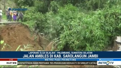 Jalan Poros di Kabupaten Sarolangun Ambles, Tiga Desa Terisolir