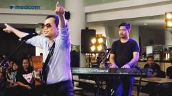 Sandhy Sondoro - Tak Pernah Padam Live at Medcom Jagonya Musik
