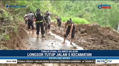 Tim Gabungan Bersihkan Material Longsor di Toraja Utara