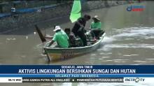Aktivis Bersih-bersih Sungai dan Hutan di Sidoarjo