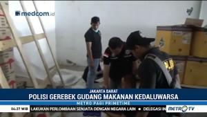 Polisi Gerebek Gudang Makanan Kedaluwarsa di Jakbar