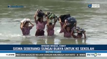 Pelajar di Serdang Bedagai Seberangi Sungai Buaya Demi Sekolah