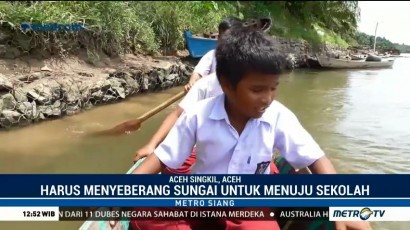 Siswa SD di Aceh Singkil Harus Menyeberangi Derasnya Sungai Demi Bersekolah