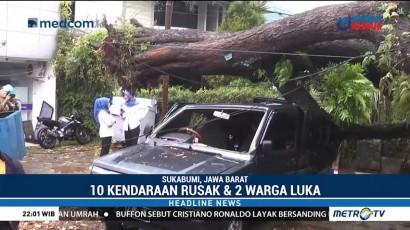 Pohon Tumbang Timpa Kendaraan, Dua Orang Luka