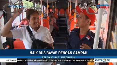 Naik Bus di Surabaya Bisa Bayar Pakai Sampah Plastik