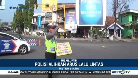 Jalur ke Surabaya Dialihkan Pascaambruknya Jembatan Widang