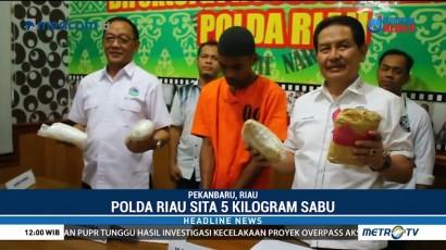 Polda Riau Tangkap Kurir Pembawa 5 Kg sabu