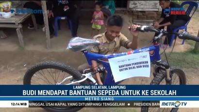 Anak Rawat Kakaknya yang Lumpuh Dapat Bantuan Sepeda