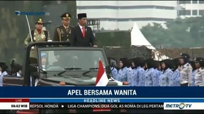 Jokowi Hadiri Apel Bersama Wanita di Monas